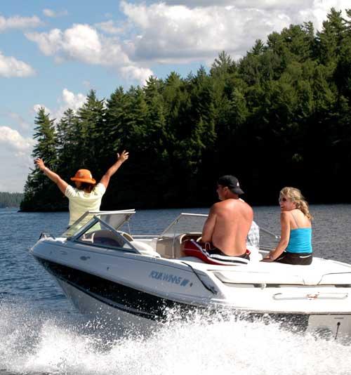 boating-on-lake