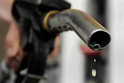 The Great Outboard Motor Oil Debate