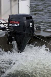 outboard-motor-2