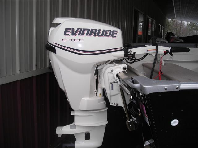 Evinrude Outboard Motors And Evinrude XD100 Oil | Outboard Motor Oil