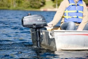 article-new-ehow-images-a07-87-b8-remove-johnson-outboard-lower-unit-800x800