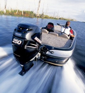mercury_outboards_marine_engines_right_12