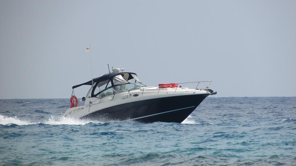 speed boat in water