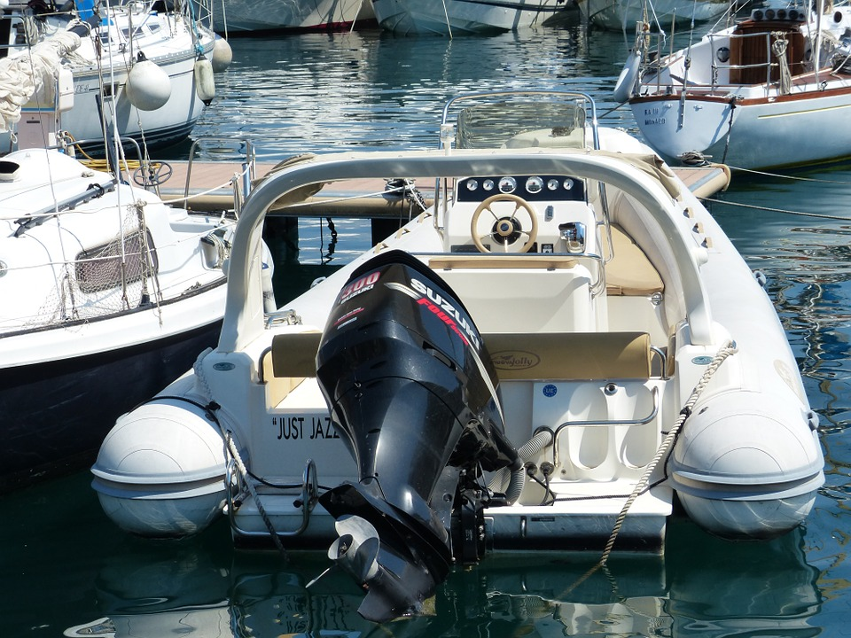 2-outboard-boat