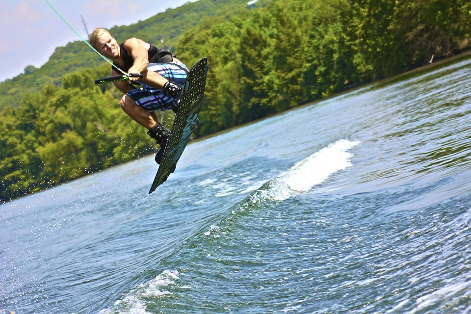 3-wakeboarding