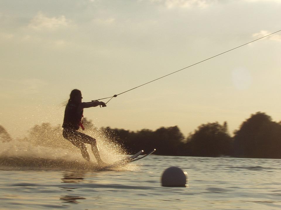 4-water-skiing